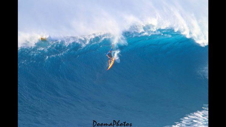 Big Wave Surfing Jaws Peahi Maui 4K